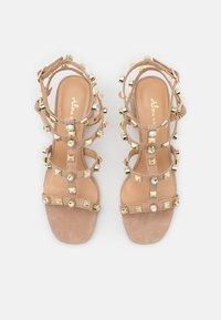 Alma en Pena - Sandals - vison - 5