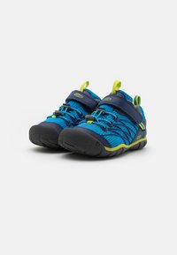 Keen - CHANDLER CNX - Hiking shoes - brilliant blue/blue depths - 1