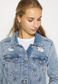 Hollister Co. - CROPPED JACKET - Denim jacket - blue denim - 3