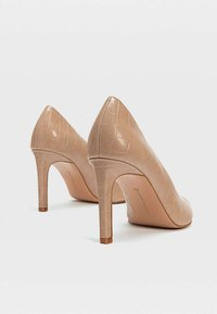 Stradivarius - MIT PRÄGUNG - High heels - brown - 4