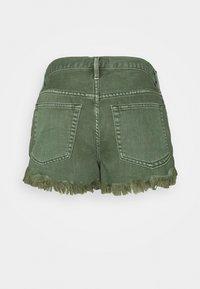 Free People - LOVING GOOD VIBRATIONS - Shorts di jeans - sage - 1