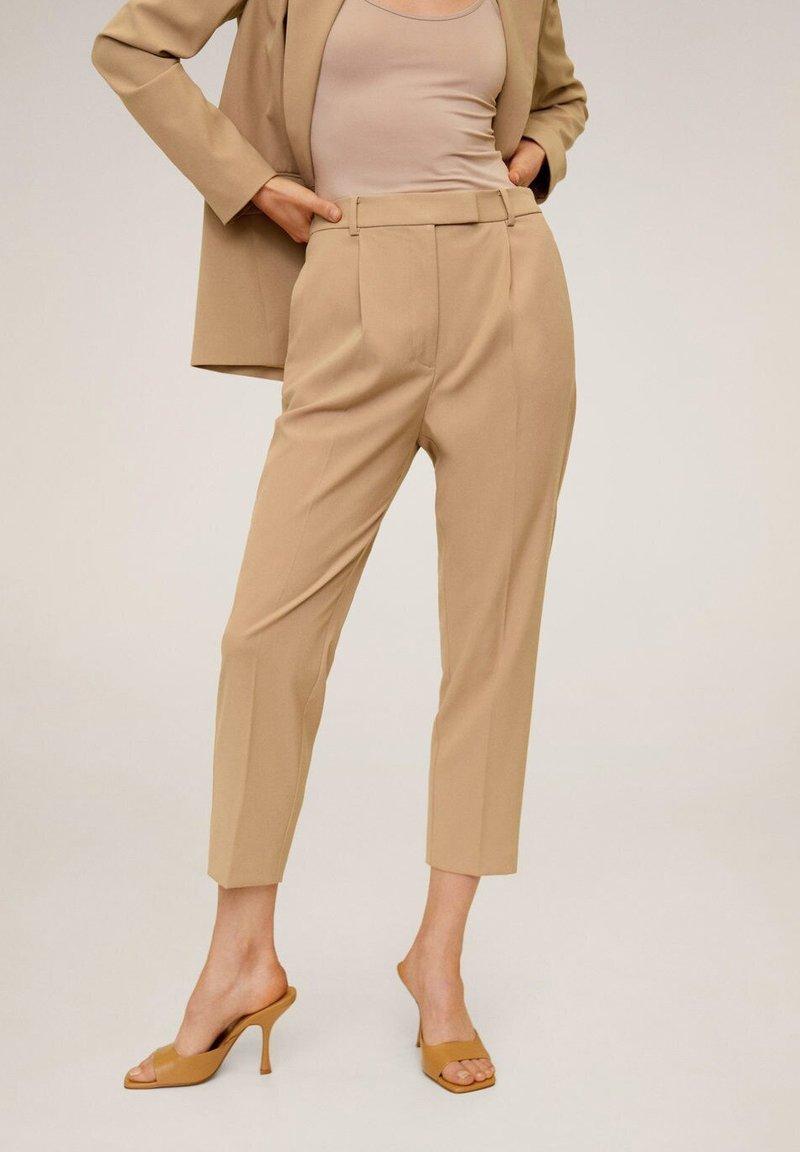 Mango - MELCHOR - Trousers - mittelbraun
