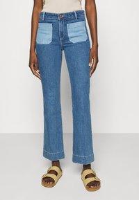 Wrangler - Flared jeans - light blue denim - 0