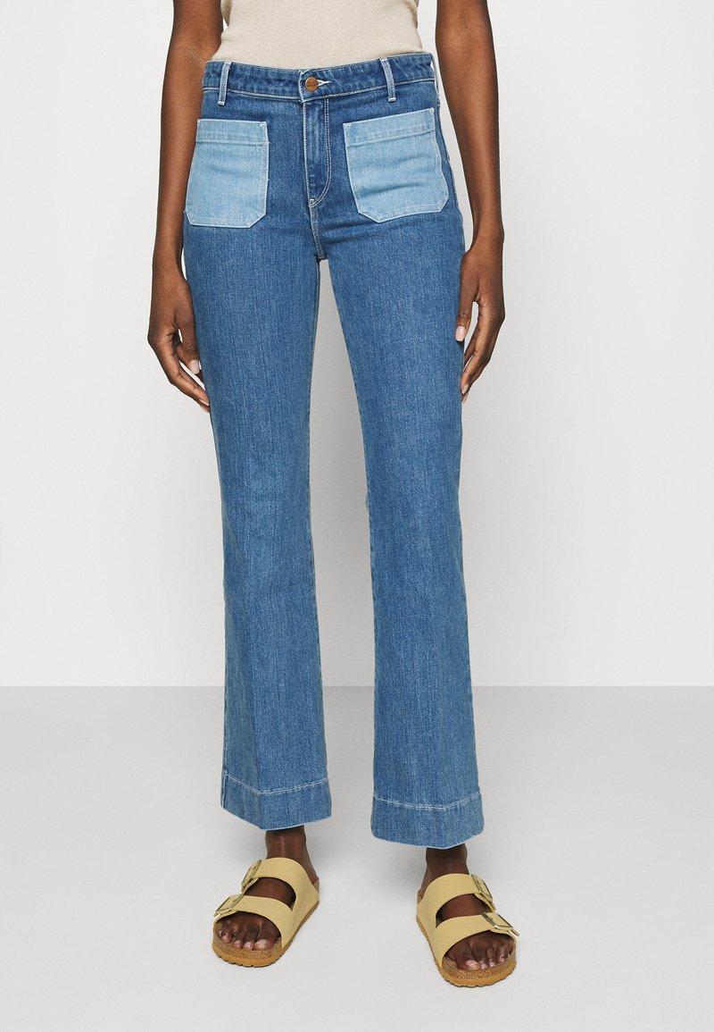 Wrangler - Flared jeans - light blue denim