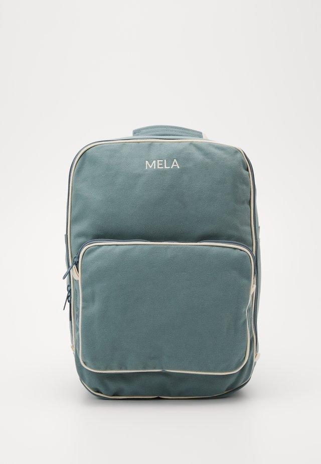 MELA II - Batoh - petrol