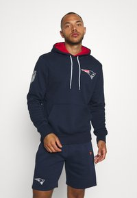 New Era - NFL CHEST TEAM LOGO HOODY NEW ENGLAND PATRIOTS - Club wear - dark blue - 0