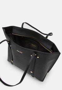 DKNY - BO TOTE SAFFIANO - Handbag - black/gold-coloured - 3