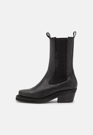 JANE - Platform boots - black