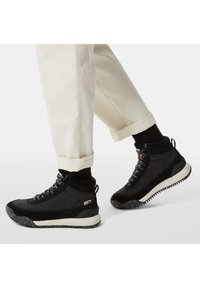 The North Face - W BACK-TO-BERKELEY III REGRIND WP - Mountain shoes - tnf black/vintage white - 1