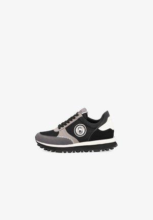 Sneakers laag - s1039