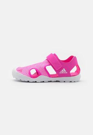 CAPTAIN TOEY UNISEX - Sandalias de senderismo - screaming pink/footwear white