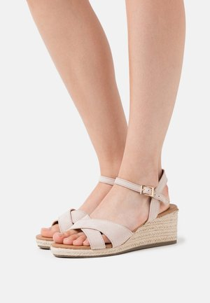 WIDE FIT YABBY CROSS VAMP LOW WEDGE - Espadrilles - oatmeal