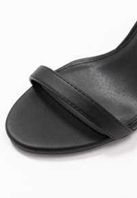 4th & Reckless - JASMINE - Korolliset sandaalit - black - 2