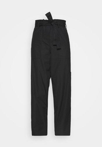 WIDE LEGGED TROUSER - Pantalones - black dark