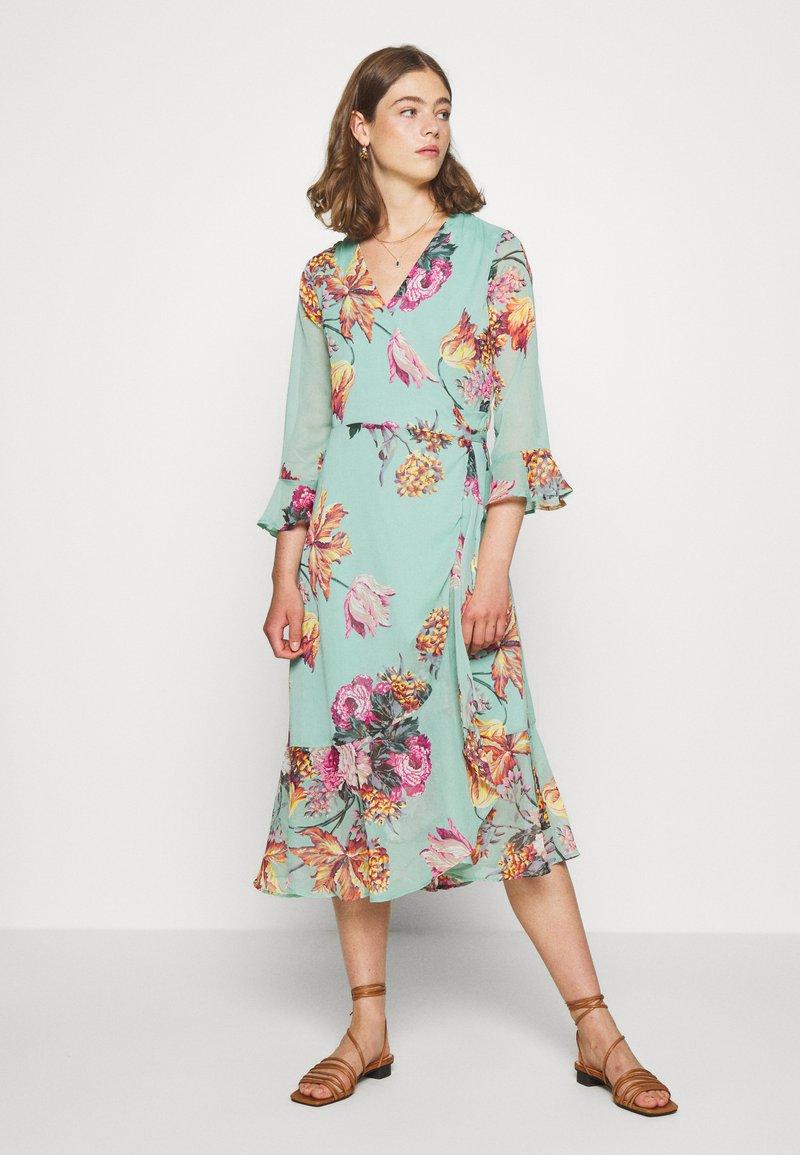 YAS - YASMALLA 3/4 DRESS SHOW - Kjole - light green
