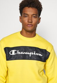 Champion - CREWNECK - Mikina - yellow - 4