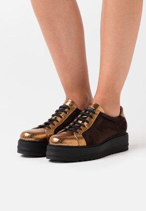 Zapatillas - bronzo/testa di moro