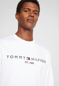 Tommy Hilfiger - LOGO  - Sweater - white - 5