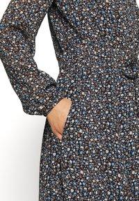 Marc O'Polo - DRESS LONG STYLE BELTED WAIST DETAILED NECKLINE - Kjole - multi - 5