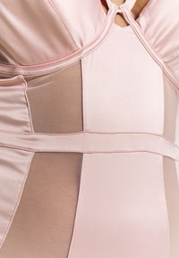 Playful Promises - FELICITY HAYWARD RETRO SEAMS PADDED SUIT - Body - pink - 5