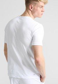 Lacoste Sport - CLASSIC - Jednoduché triko - white - 2
