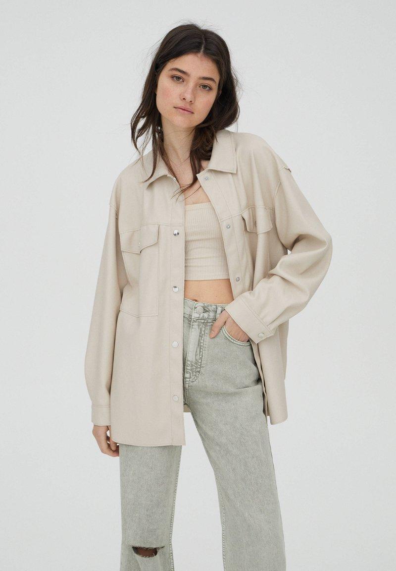PULL&BEAR - Lehká bunda - beige