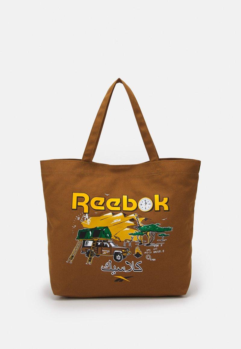 Reebok Classic - ROADTRIP UNISEX - Tote bag - sepia