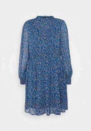 PCTILLE DRESS - Day dress - sapphire