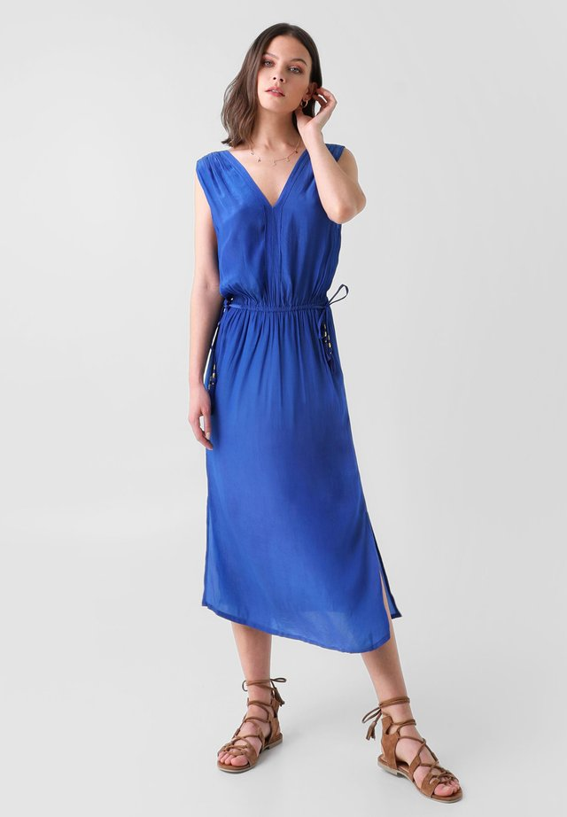 VESTIDO MIDI GRIEGO - Day dress - azul electrico