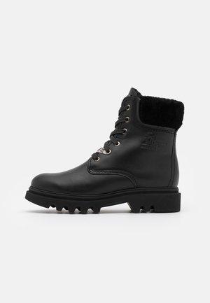 TELMA IGLOO - Šněrovací kotníkové boty - black