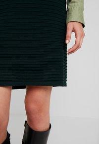 Anna Field - Pouzdrová sukně - dark green - 3