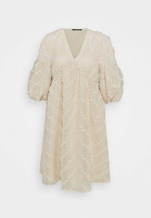 BORAGE SERINE DRESS - Day dress - sandstorm