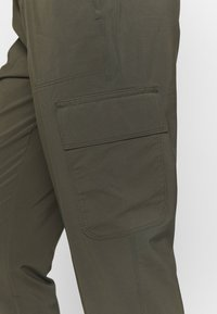 The North Face - NEVER STOP WEARING PANT  - Cargohose - new taupe green - 3