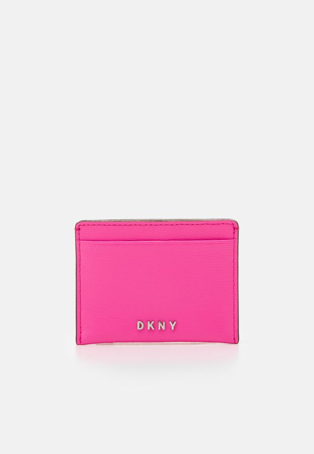 PERLA ENVELOPE FLAP - Wallet - bright pink