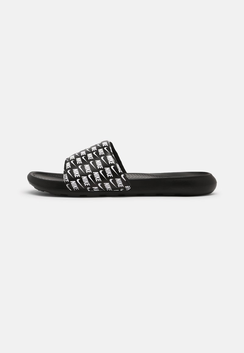 Nike Sportswear - VICTORI ONE SLIDE PRINT - Matalakantaiset pistokkaat - black/white