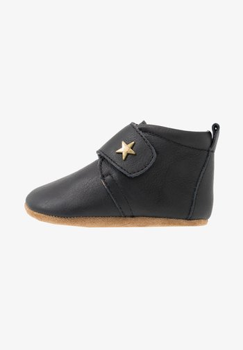 BABY STAR HOME SHOE