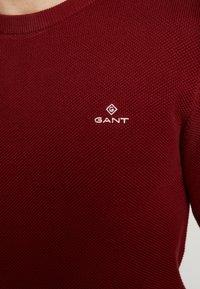 GANT - C NECK - Stickad tröja - crimson red - 4