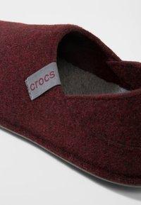 Crocs - Slippers - burgundy/charcoal - 5