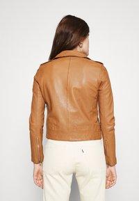 Vero Moda - VMMILANO JACKET - Leather jacket - cognac - 2