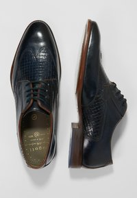 Bugatti - PATRIZIO - Derbies & Richelieus - dark blue/cognac - 1