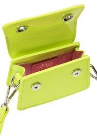 myMo - Handbag - neon grün - 3