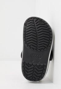 Crocs - CROCBAND - Sandały kąpielowe - black - 5