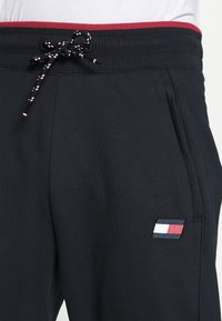 Tommy Hilfiger - CUFFED BLOCKED PANT - Tracksuit bottoms - blue - 5