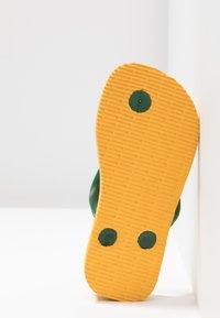 Havaianas - BRASIL LOGO - Pool shoes - Banana Yellow/Khaki - 5