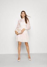 Needle & Thread - EMILANA DRESS - Koktejlové šaty/ šaty na párty - champagne - 1
