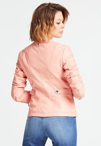 Guess - A$AP ROCKY - Faux leather jacket - rose - 2