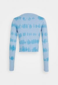 Topshop - TIE DYE SLOGAN LONGSLEEVE - Long sleeved top - blue - 1