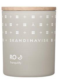 Skandinavisk - SCENTED CANDLE WITH LID - Duftkerze - ro - 0
