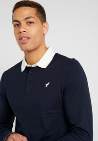 Pier One - MUSCLE FIT - Polo - dark blue - 4