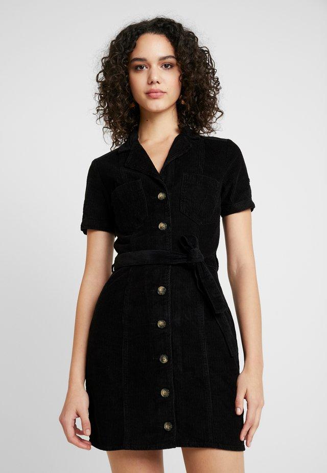 UTILITY DRESS - Robe chemise - black